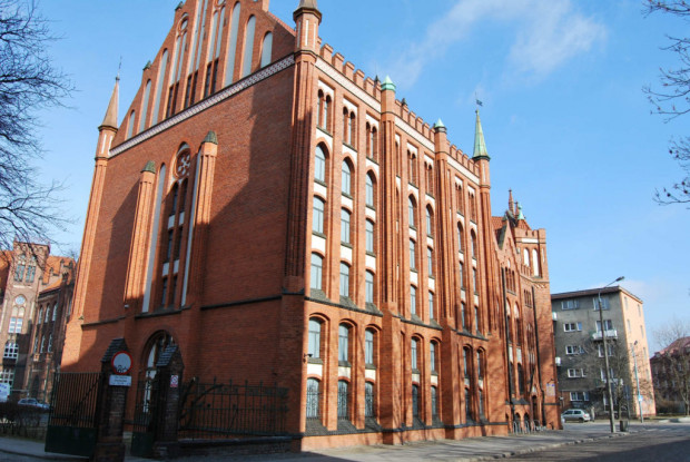 Siedziba Biblioteki PAN mieści się w historycznym budynku przy ul. Wałowej 15.