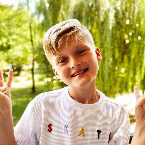 11-latek jest wielkim pasjonatem śpiewania. Nawet w czasie wakacji nie wyobraża sobie odpoczynku od muzyki.