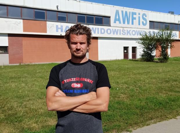 Jacek Sulej w Gdańsku gra nieprzerwanie od sezonu 2005/06. Od sezonu 2010/11 jest zawodnikiem Wybrzeża, z którym zostaje także na najbliższe rozgrywki.