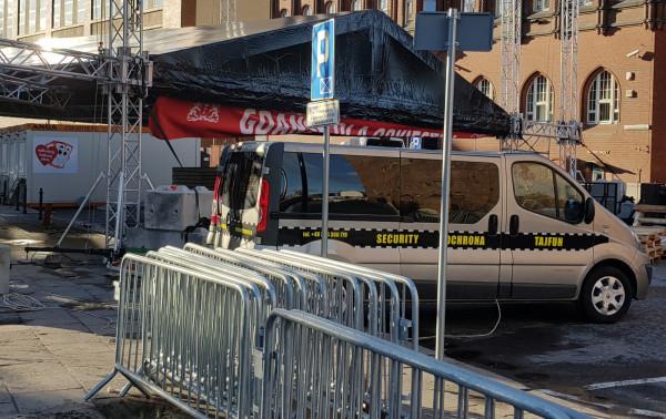Feralny koncert na Targu Węglowym w Gdańsku, podczas którego zamordowano prezydenta Pawła Adamowicza  organizowało Gdańskie Centrum Wolontariatu, a zabezpieczała Agencja Ochrony Tajfun.