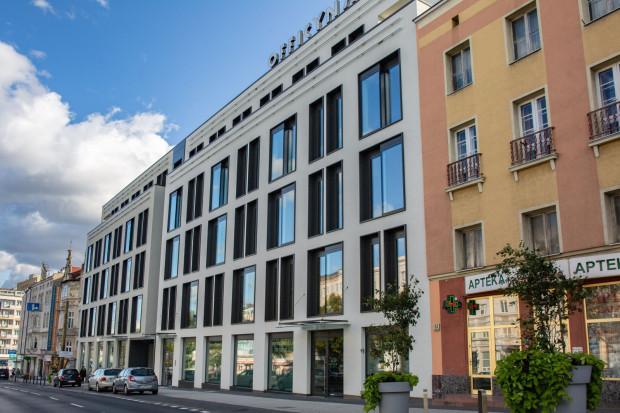 Biuro Sollers Consulting mieści się w nowym budynku, Officyna, w Gdańsku, gdzie firma wynajmuje około 1100 m kw. powierzchni.