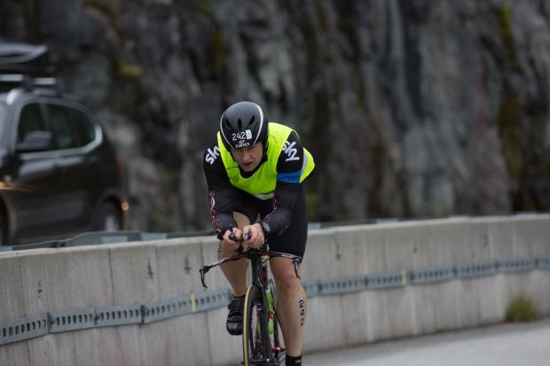 Norseman: 3800 metrów do przepłynięcia, 180 kilometrów do przejechania rowerem, 42 do przebiegnięcia - choć Maciej startuje już od dwudziestu lat, to ten dystans, pokonany pośród surowych norweskich krajobrazów, jest jego największym osiągnięciem.