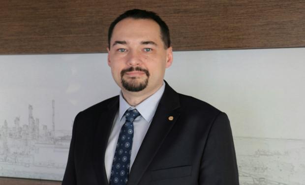 Jarosław Kawula od samego początku kariery zawodowej pracował w gdańskiej rafinerii Lotosu.