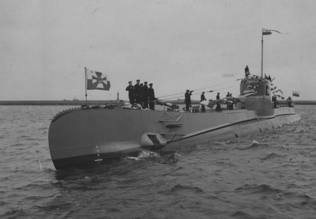 Budowę okrętu ORP Orzeł sfinansowano częściowo ze środków zgromadzonych w ramach społecznej zbiórki pieniędzy zorganizowanej m.in. przez Ligę Morską i Kolonialną oraz Fundację Łodzi Podwodnej.