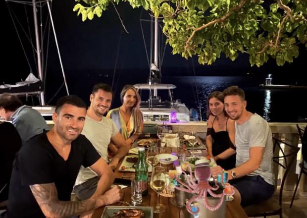 Bałkańska część Lechii: Żarko Udovicić, Mario Maloca i Zlatan Alomerović odpoczywają z partnerkami w Chorwacji.