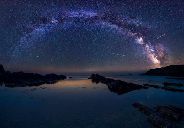 """Perseidy, zwane """"łzami świętego Wawrzyńca"""", można oglądać od lipca do września, jednak apogeum tego zjawiska przypada na połowę sierpnia."""