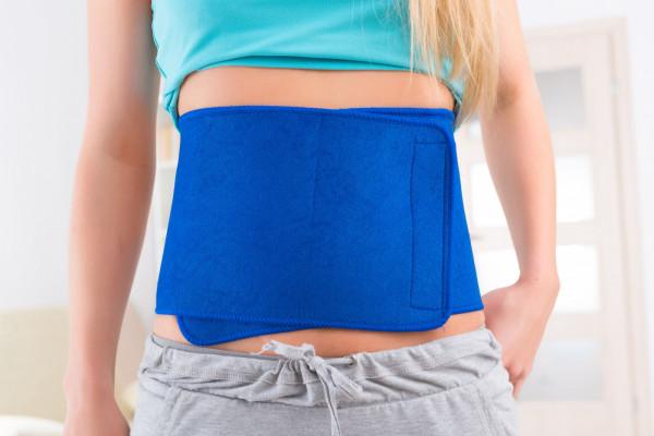 Efekty działania pasa neoprenowego będą zauważalne przy połączeniu z dietą i treningiem.