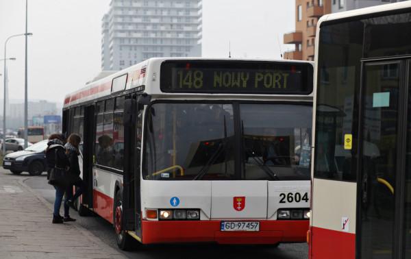 Do zdarzenia doszło w autobusie linii 148 kursującej na trasie Nowy Port - Żabianka.
