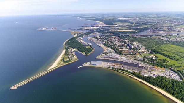 Port Gdańsk po I półroczu nadal utrzymuje się też na czwartym miejscu na Bałtyku, wyprzedzając Port Kłajpeda, który zamyka półrocze z wynikiem 22,1 mln ton (-6,6 proc. rok do roku).