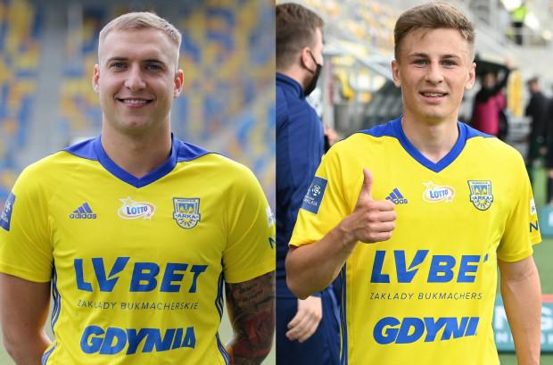 Bartosz Kwiecień (z lewej) będzie reprezentował Arkę Gdynia w najbliższym sezonie, natomiast Dawid Markiewicz (z prawej) podpisał z klubem dwuletnią umowę.