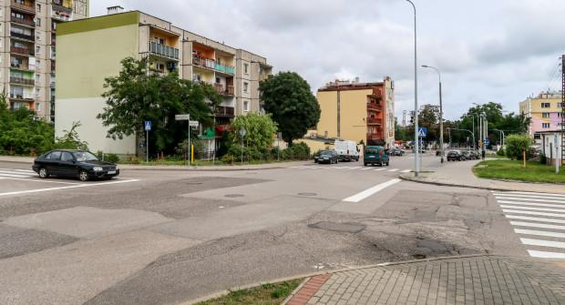Według zapowiedzi skrzyżowanie ulic Komandorska, Kalksztajnów i Orlicz-Dreszera będzie przebudowane.