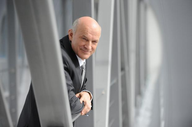 Przed Sądem Okręgowym w Gdańsku rozpoczął się proces, w którym Paweł Olechnowicz - prezes Grupy Lotos - domaga się 100 tys. złotych zadośćuczynienia.