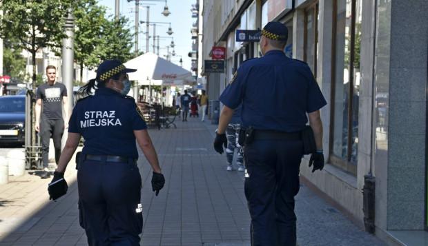 Strażnicy miejscy będą patrolować gdyńskie sklepy i pojazdy komunikacji publicznej.
