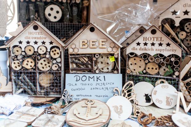 """Grand Prix w kategorii """"Dobry Pomysł"""" trafiło do firmy Redpointgdansk Monika Rajchert z Gdańska za domki dla dzikich owadów zapylających. Sprzedawane domki zapewniające schronienie pożytecznym owadom, dające możliwość budowy gniazd, zwłaszcza podczas zimy."""