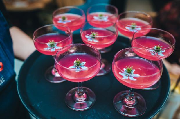 Gin Suntory Roku / hibiskus / róża / limonka / jadalny kwiat