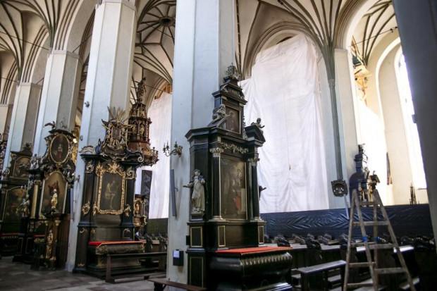 W kościele św. Mikołaja trwają ostatnie przygotowania przed sobotnim otwarciem.