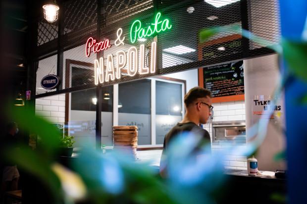 Pizza & Pasta Napoli znajduje się w centrum handlowym Batory w Gdyni.