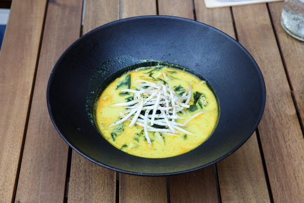 Zupa rybna w stylu tajskim