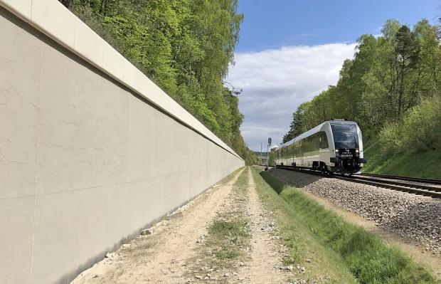 PKM chce udostępnić pod graffiti liczący blisko 1 tys. m kw. powierzchni mur oporowy obok przystanku PKM Gdańsk Jasień.