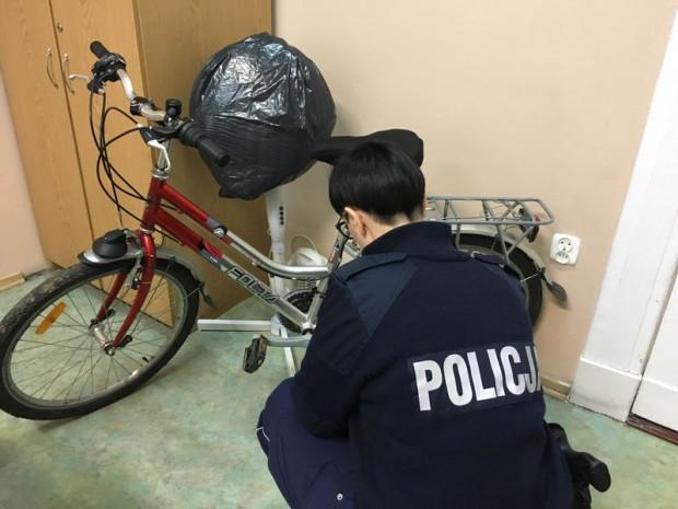 Policjanci uczulają na wzmożone w ostatnim czasie kradzieże rowerów. Na szczęście dosłownie co kilka dni udaje się odzyskać któryś ze skradzionych jednośladów.
