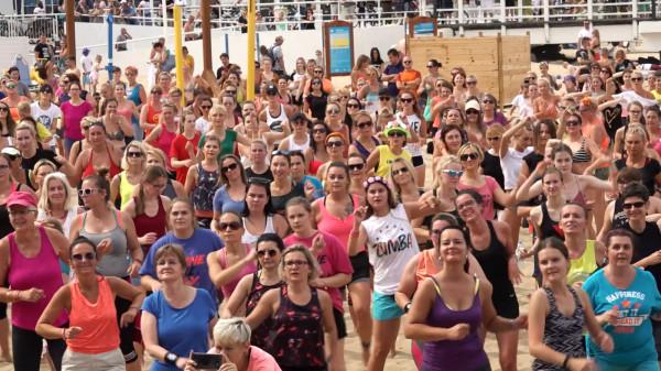 Maraton zumby na plaży w Brzeźnie odbywa się co roku. W tym będzie jedną z nielicznych tego typu imprez. Tym razem odbędzie się jednak przy zachowaniu dystansu społecznego.