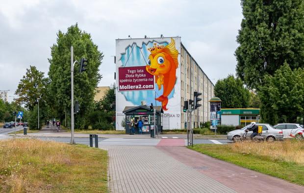 Nowa reklama na bloku Chłopska 12, przy skrzyżowaniu z ul. Kołobrzeską.