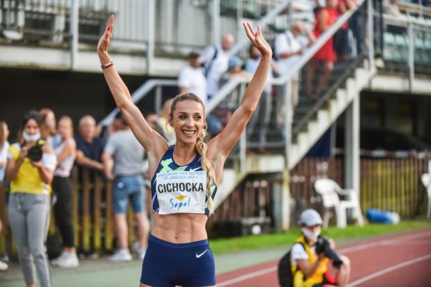Angelika Cichocka powróciła do startów po dwuletniej przerwie. Zawodniczka SKLA Sopot wygrała bieg na 1000 metórw w czasie 2:42.28.