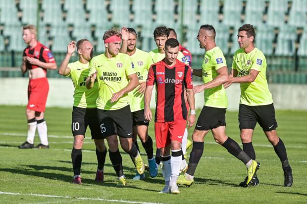 Piłkarze Jaguara Gdańsk (czerwono-czarni) zakończyli przygodę w Pucharze Polski.