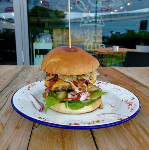 Nie lubisz wołowiny? W Original Burger możesz zdecydować się na burgera z rybą, kurczakiem oraz na wersję dla wegan i wegetarian.