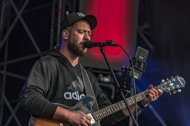 Kortez w ramach swojej trasy koncertowej odwiedzi siedem polskich miast, w tym Sopot. Na zdjęciu: koncert Lato z Radiem 2018 w Gdyni.