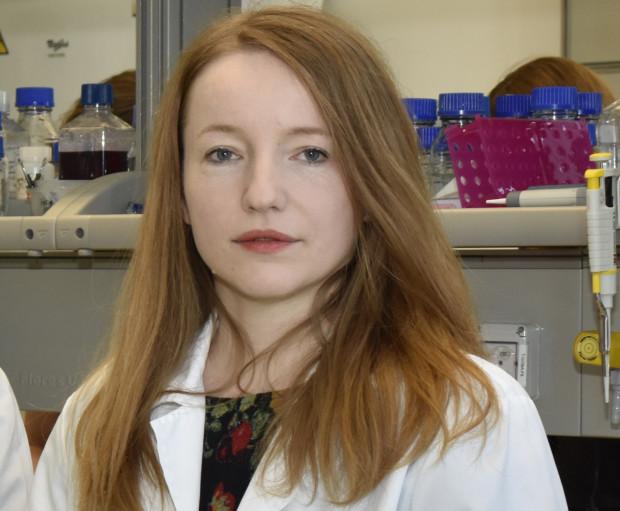 Dr Alicja Chmielewska bada interferony, które mogą pomóc w walce z koronawirusem.