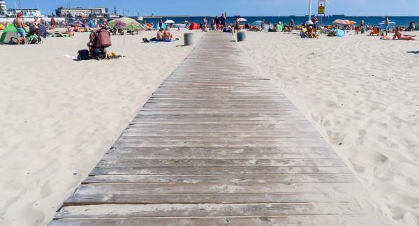 Gdynia chce wymienić kładki na plaży, które są w coraz gorszym stanie.