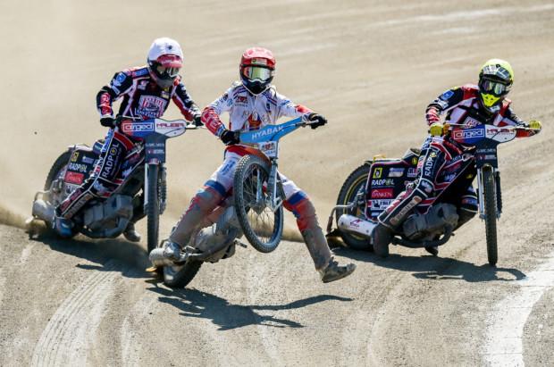 W sobotę Zdunek Wybrzeże Gdańsk rozpoczyna rundę rewanżową sezonu zasadniczego eWinner 1. Ligi Żużlowej. Na zdjęciu Jacob Thorssell podczas meczu z Ostrovią w Gdańsku.