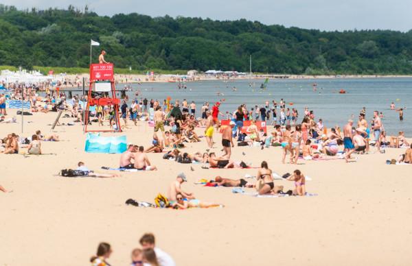 By plażowanie było przyjemnością dla wszystkich, warto pamiętać o kilku podstawowych zasadach.