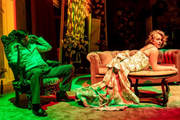 Sztuka Gabrieli Zapolskiej to słodko-gorzka opowieść o tym, jacy naprawdę jesteśmy i za jakich chcemy uchodzić. Na zdjęciu Grzegorz Otrębski i Agata Bykowska.