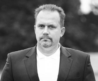 Tomasz Tomiak, wykładowca AWFiS, trener wioślarstwa i były reprezentant Polski, zmarł w wieku 53 lat.