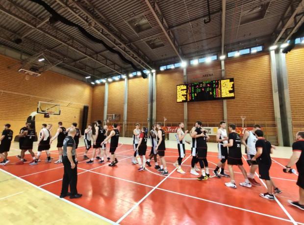 Koszykarze Trefla Sopot ostatni letni sparing rozegrali w hali bocznej Ergo Areny.