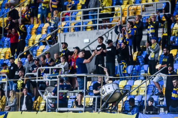 Kibice Arki Gdynia mecze I-ligowe mają przy ul. Olimpijskiej oglądać jesienią głównie w piątki o godzinie 19.