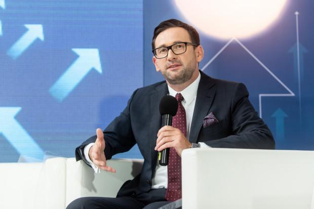 - Poprzez połączenie różnych kompetencji spółek możemy stworzyć doskonalą spółkę. To wyzwoli olbrzymie możliwości finansowania inwestycji - stwierdził Daniel Obajtek, prezes PKN Orlen.