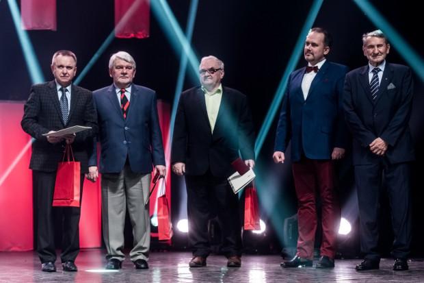 """Andrzej Szymeczko (na zdjęciu w środku) w grudniu 2016 roku odebrał tytuł """"Osobowość Sportowa"""" podczas XIV Gdańskiej Gali Sportu."""