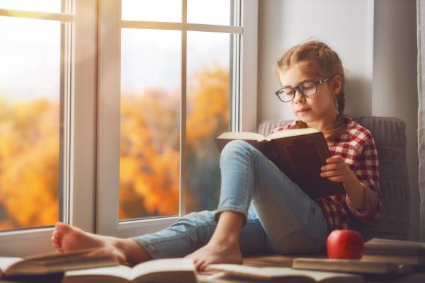 Książki czytane w dzieciństwie kształtują nas i zostają w naszej pamięci na całe życie.