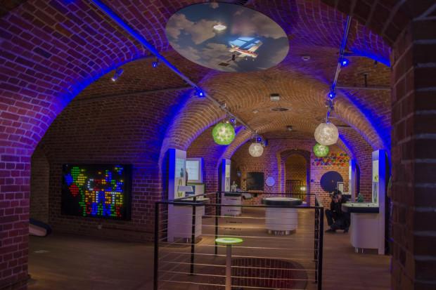 Oprócz stałej ekspozycji Hevelianum oferuje także wystawy tymczasowe oraz warsztaty, prelekcje i pokazy naukowe.