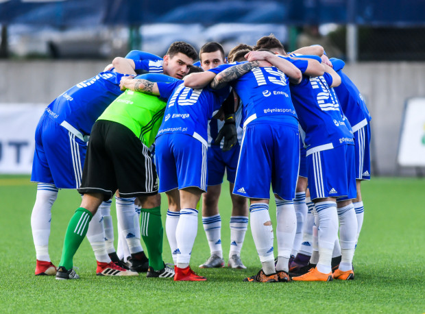 Z czterema zwycięstwami i remisem, Bałtyk Gdynia zajmuje trzecie miejsce w tabeli drugiej grupy w III lidze.