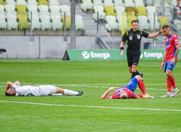 Raków Częstochowa poniósł się w Gdańsku, mimo że przegrywał 0:1. Natomiast Piotr Stokowiec ma 2 tygodnie czasu, podczas przerwy w rozgrywkach ekstraklasy, aby podnieść Lechię Gdańsk zarówno pod względem piłkarskim jak i przygotowania fizycznego.