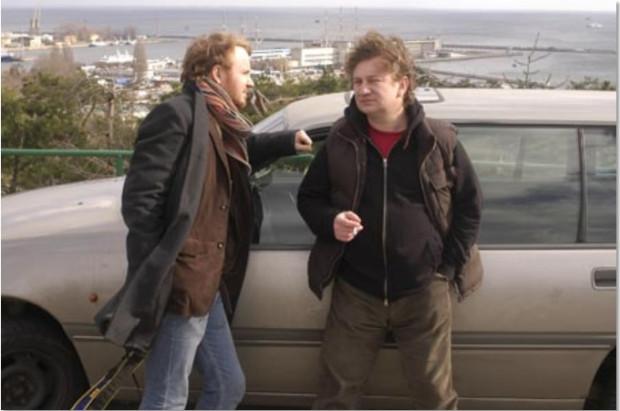 """Bohaterami serialu sensacyjnego """"Czwarta władza"""" byli dwaj dziennikarze: Marcin (Jacek Borcuch) i Leszek (Paweł Królikowski)."""
