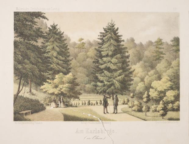 Widok założenia parkowego na szczycie wzgórza, z postaciami stojącymi na ławeczce. W głębi, pośrodku, pawilon ogrodowy.