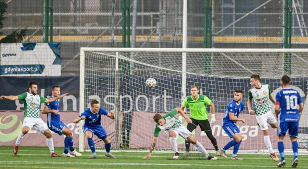Piłkarze Bałtyku Gdynia mogą poprawić bilans bramkowy i punktowy, gdyż zagrają z outsiderem tabeli grupy drugiej III ligi.