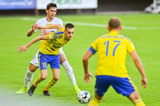 Juliusz Letniowski otworzył wynik spotkania, a w drugiej połowie otrzymał czerwoną kartkę po dwóch żółtych.