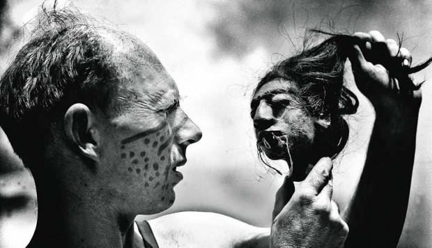 """Kino dokumentalne to nie tylko filmy poświęcone społecznym i politycznym zagadnieniom, ale również interesujące historie o ludziach, którzy przekraczają nie tylko geograficzne granice w poszukiwaniu własnych pasji. Jednym z takich filmów będzie """"Tony Halik"""" trójmiejskiego reżysera, Marcina Borchardta."""