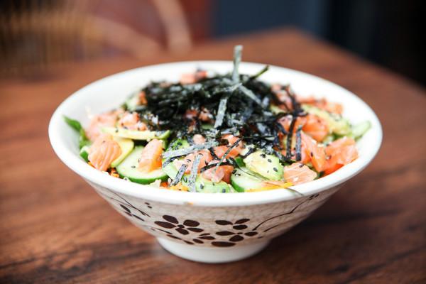 Sushi bowl - sushi w stylu koreańskim.